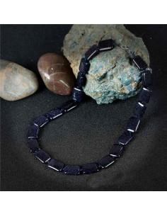 Collier pierre du soleil noire rectangles