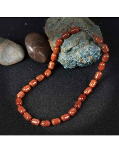 Collier pierre du soleil perles cubiques