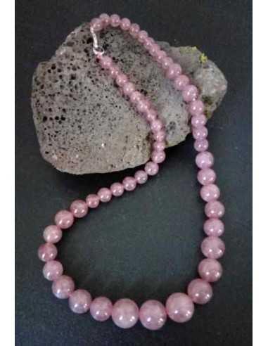 Collier quartz rose lavande pierres boules tailles dégradées