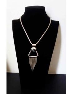 Collier géométrique avec chaines pendantes