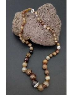 Collier pierre agate boules tailles dégradées facettées marron clair