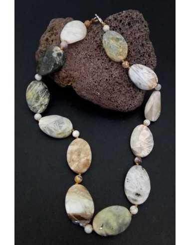 Collier pierre agate ovale et pierres boules effet caillou