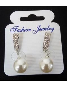 Boucles d'oreilles pendantes serties et perle fantaisie