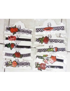 Destockage lot de 12 colliers chokers motif fleurs