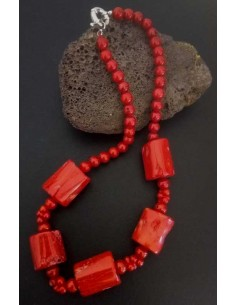 Collier corail de synthèse