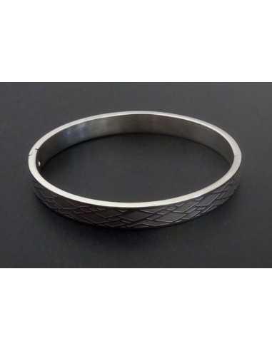 Bracelet acier jonc motifs géométriques losanges texturés