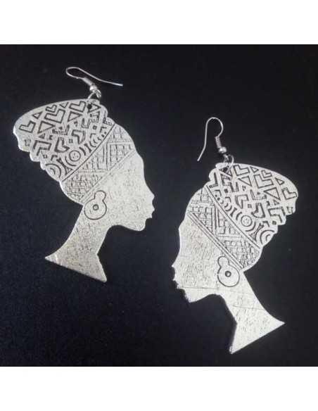 Boucles d'oreilles en bois motif ethnique femme africaine