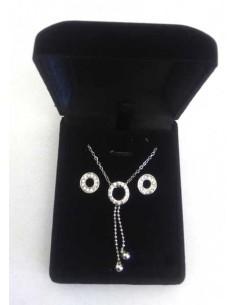 Parure en coffret collier pendentif anneau serti et chainettes