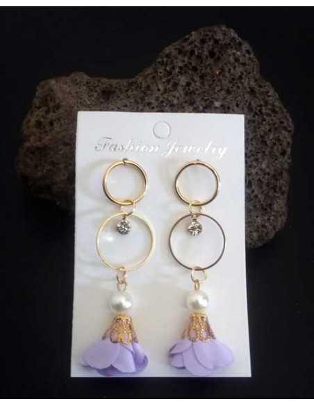 Boucles d'oreilles fantaisie anneaux et fleurs pendantes