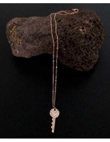 Collier acier inoxydable pendentif clé zirconiums incrustés