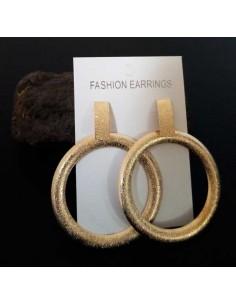 Boucles d'oreilles créoles oversize effet mat pailleté 7 cm