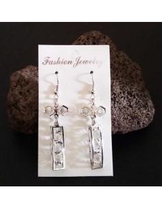 Boucles d'oreilles pendantes rectangle et noeud avec strass