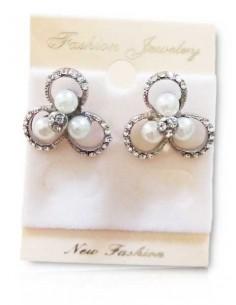 Boucle d'oreille trèfle serties avec perles