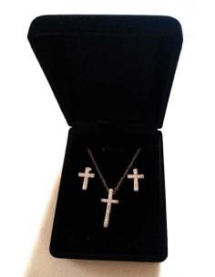 Parure en coffret collier pendentif croix sertie et boucles