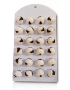 12 paires de boucles d'oreilles boules avec motifs marron sur présentoir