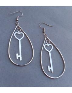 Boucles d'oreilles créoles avec pendentif clefs 6 cm
