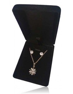 Parure en coffret collier pendentif fleur graphique et boucles