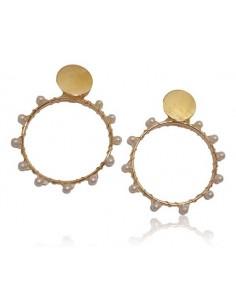 Créoles fantaisie enroulées de perles blanches