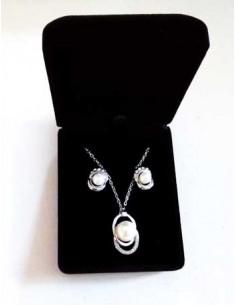 Parure en coffret collier pendentif perle & boucles