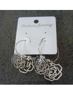Boucles d'oreilles créoles avec fleurs suspendues
