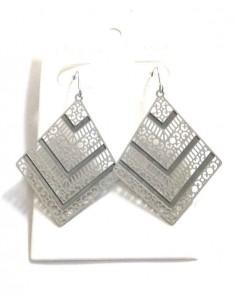 Boucles d'oreilles acier losange motif géométriques filigranes